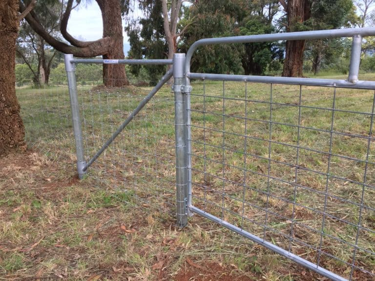 Fencestay End Assembly Showing a Whites Ballimore Gate